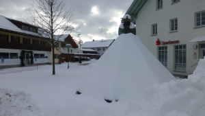 Drachselsried Dorfplatz covered in snow